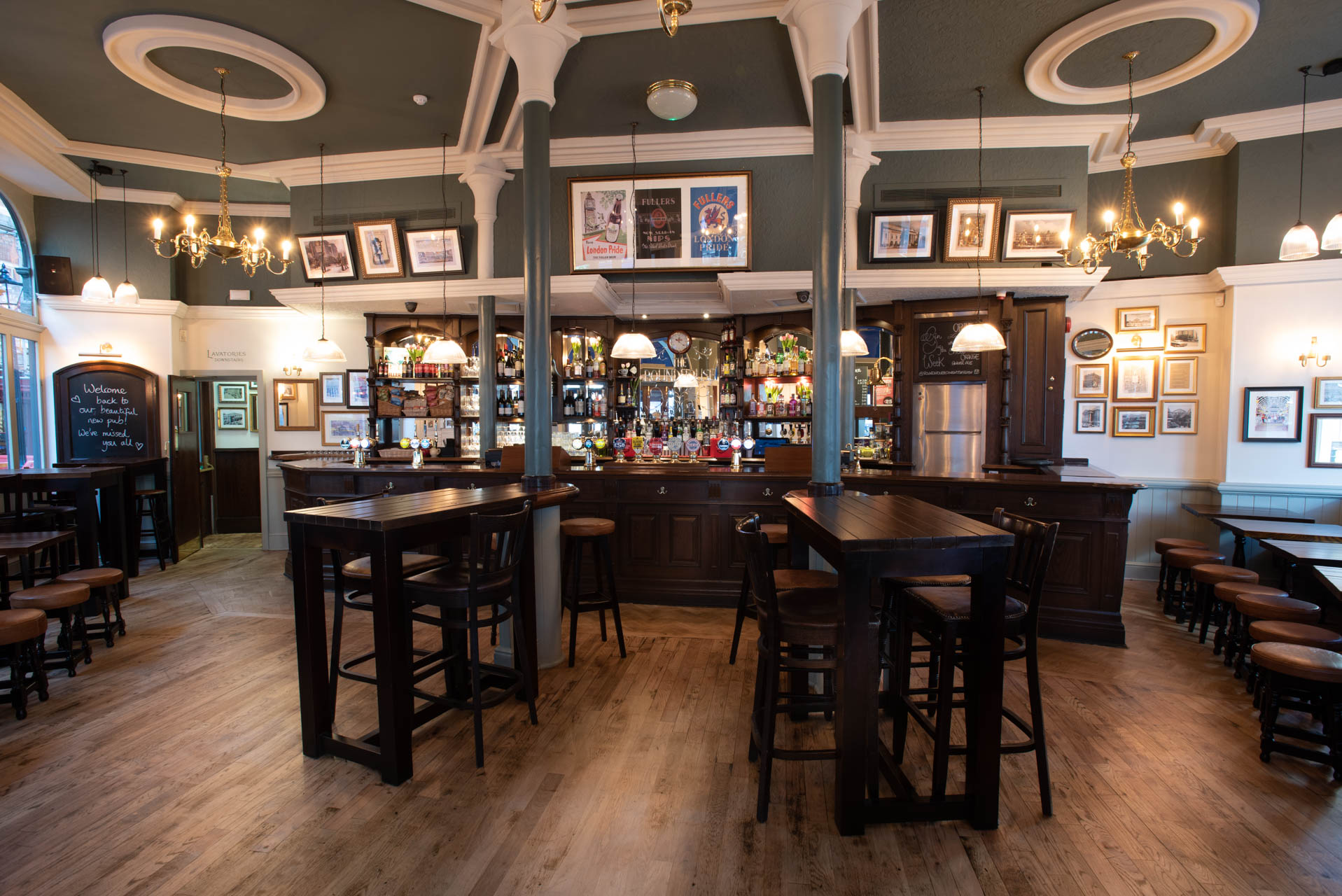 The Round House Fuller S Pub And Restaurant In Covent Garden
